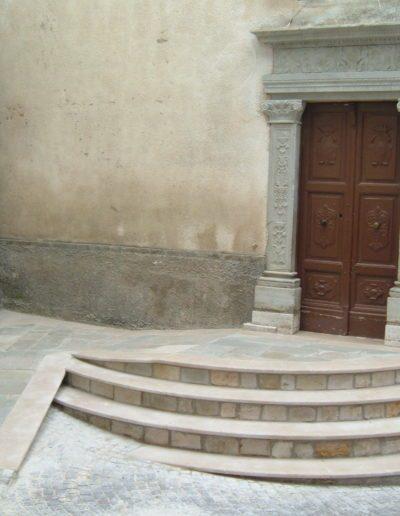 portone-in-pietra-